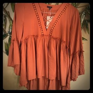 Chloah NWT bell sleeved blouse